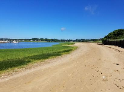Wellfleet House Rental private neighborhood beach
